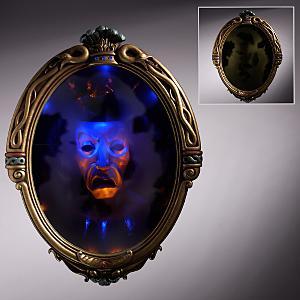 Evil Queens Magic Mirror  PlanetKryptonnet